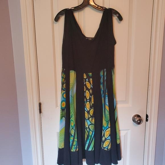 Beautiful Frank Lyman dress - Made in 🇨🇦